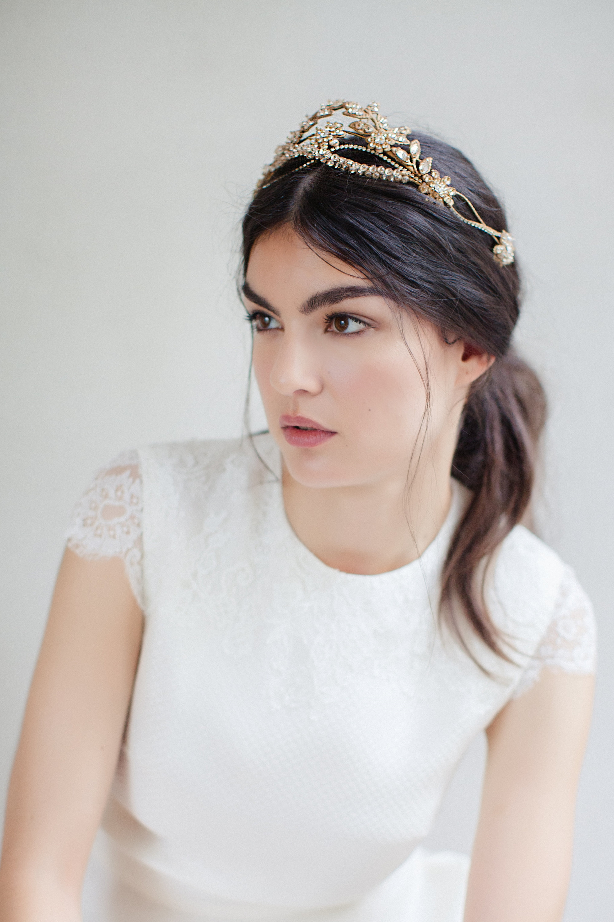 VERONIKA CROWN